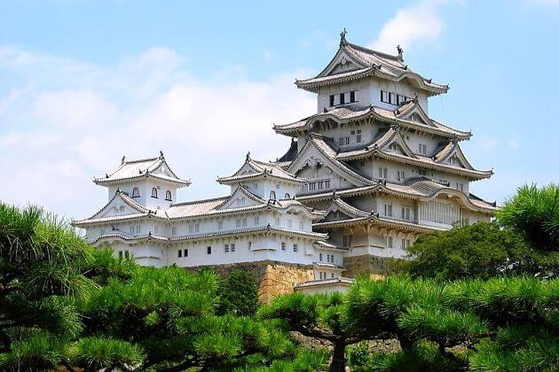 Himeji-castle-from-Kobe-shore-excursions
