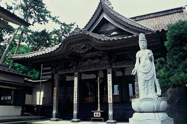 Kaikoji Temple Sakata shore excursions