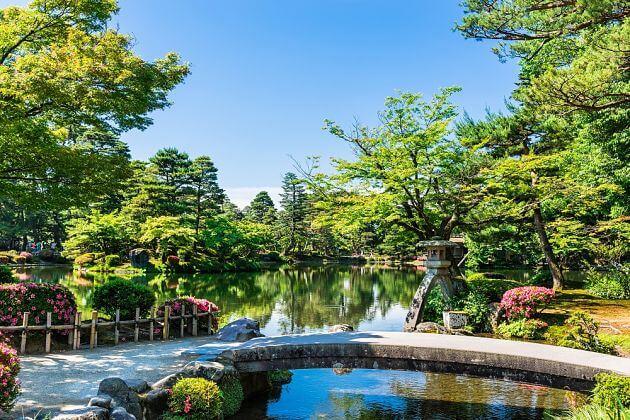 Kenrokuen Garden attractions Kanazawa shore excursions