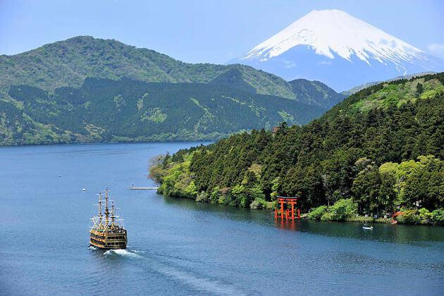 Lake-Ashinoko-Hakone-Shimizu-shore-excursions
