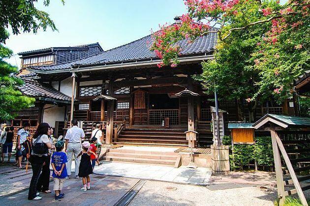 Ninjadera attractions Kanazawa shore excursions