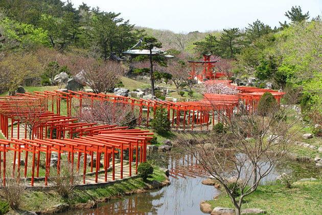Takayama Inari Shrine attractions Aomori shore excursions