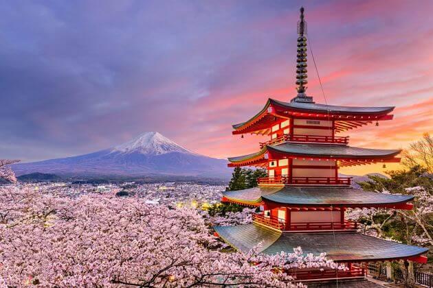 View-Mount-Fuji-from-Chureito-pagoda